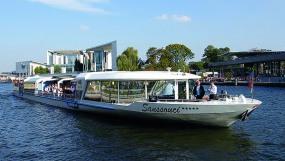Ein Schifftour mit Brunch in Berlin bietet die Stern- und Kreisschiffahrt an.