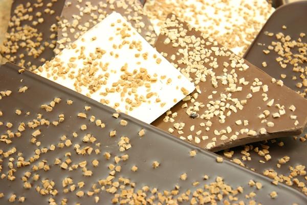 Edle Bruchschokolade aus der Chocolaterie der Berliner Kaffeerösterei