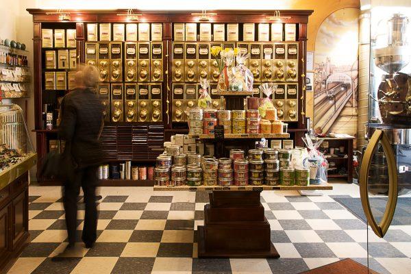 Eine ganze Welt edlen Kaffees und erlesener Schokoladen in der Berliner Kaffeerösterei