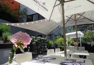 Hotel Q - The Fox Bar and Gardn | Foto: Top10 Berlin