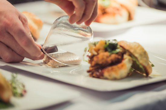 Dinner im Restaurant fabrics | Foto: nhow Berlin