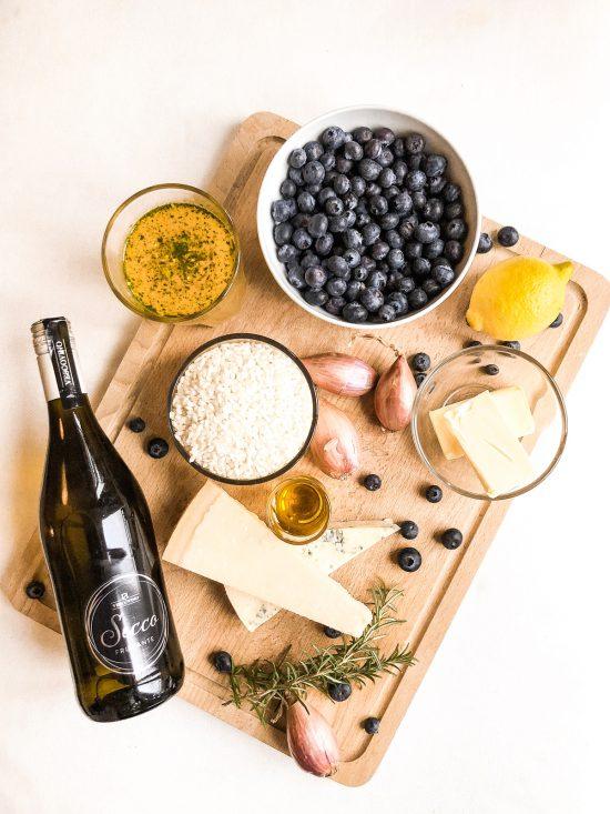 """Blaubeer-Prosecco-Risotto - Zutaten für das Rezept aus dem Top10 Berlin Kiezkochbuch """"Aus Kiez und Küche - So Isst Berlin"""""""